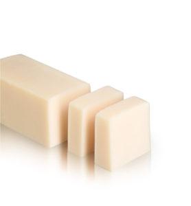 סבון גוף מוצק מנגו הנעשה בעבודת יד